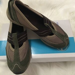 Easy spirit fitness shoes size  5.5M